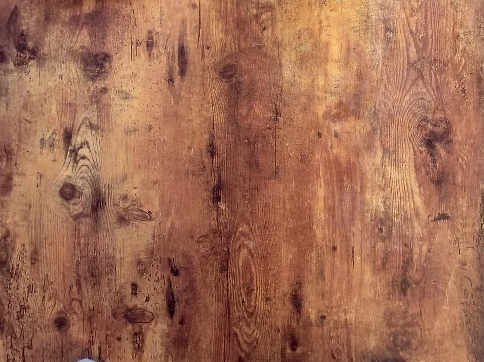 desk wood.png