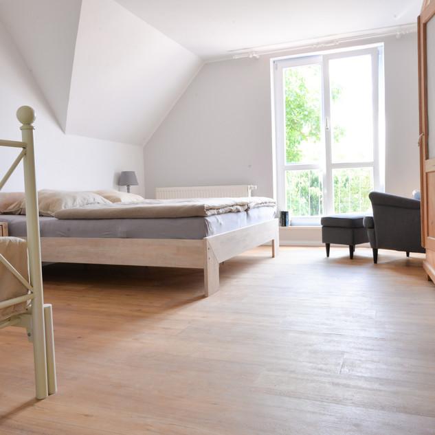 Schlafzimmer_1.FLOOR_9.JPG