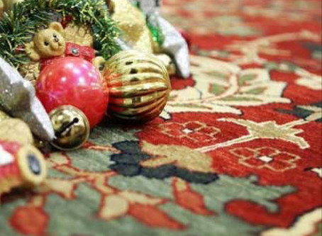 Your Guide to Holiday Decorating with Rugs
