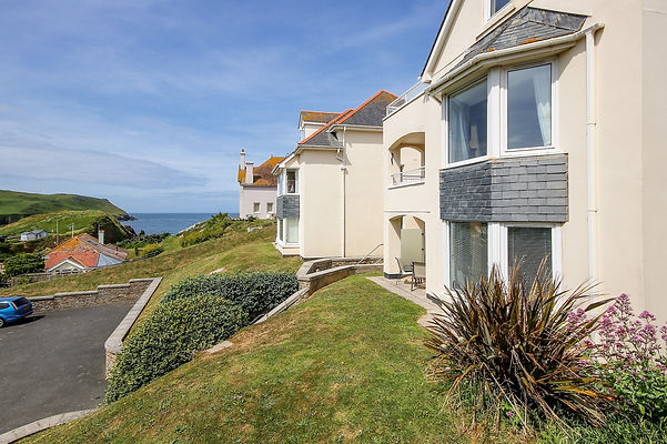 2 Chichester Court, Hope Cove