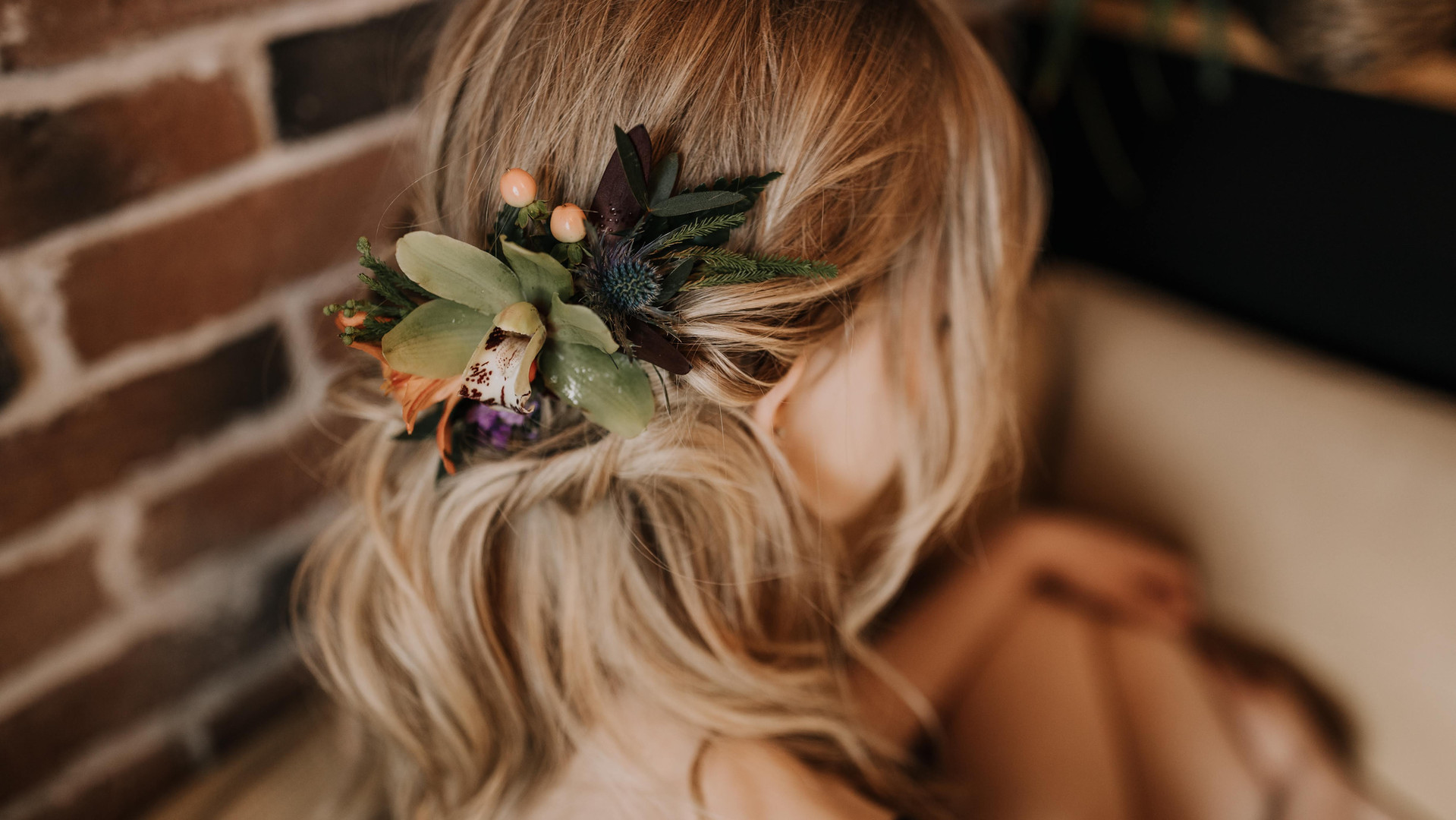 Flowers in my hair, don't care.