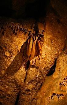 Inframón, inframundo, visita especial, coves del salnitre, coves de montserrat, collbató, cuevas de montserrat, cuevas de collbató, collbato, visita guiada, castanyada, tots sants, halloween
