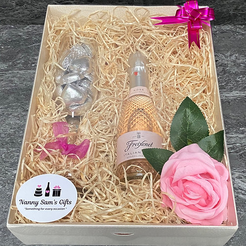 Fizz, Flute and Chocolate Gift Box