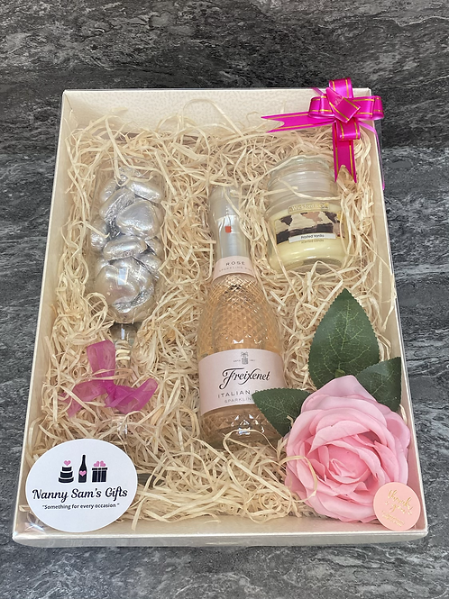 Flute and Fizz Gift Box