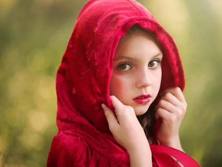 Fairytale session, with little red riding hood!