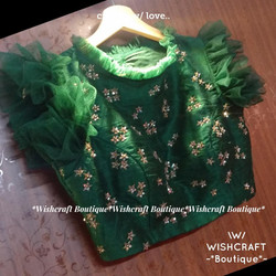 designer-blouse-with-frills-gree-saree-b