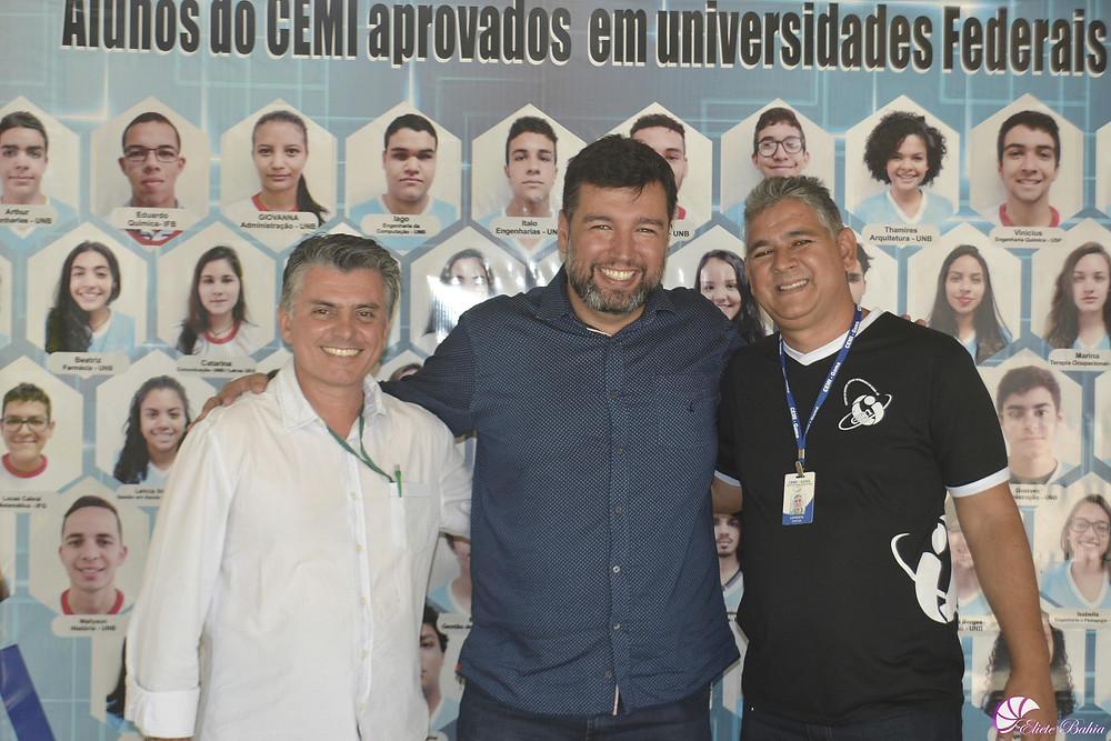 Vice-Diretor Sebastião, secretário de Educação do DF,Rafael Parente e o Diretor Carlos Lafaiete