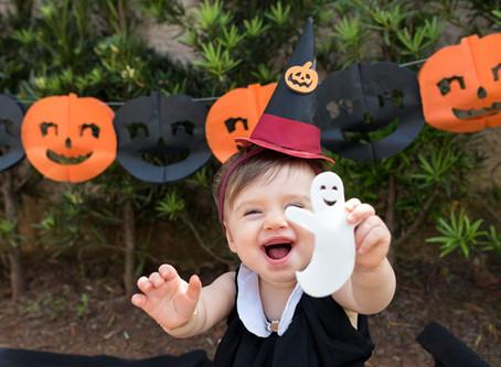 Clara | 10 meses | Bruxinha no Halloween!