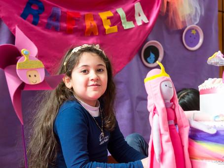 Rafaela faz 8 | Na Escola | Hora da Aventura