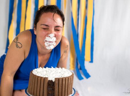 Smash The Cake | Minions | com participação da mamãe
