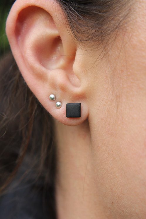 Square stud earrings - 6mm - Matte finish