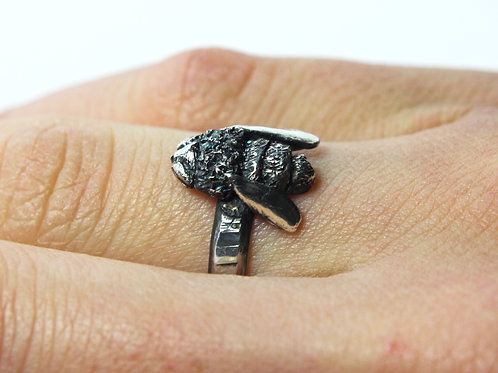 Bee ring - Silver Bee ring - Realistic bee - spring - Honey bee