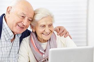 Довольные пенсеонеры.jpg