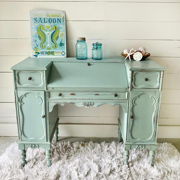 SOLD! Vintage Desk $225