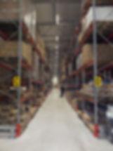 Logistikkonsult - Sim Logistics - Truckgång med konventionella pallställage vid rundvandring under förstudie.