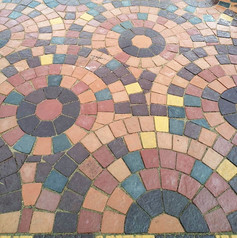 Тротуарная плитка выложенная кругами