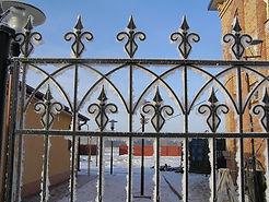 Металлоизделия в Омске, кованые заборы, кованые ворота, кованые калитки, художественная ковка, забор