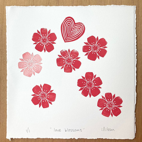 Love blossoms /2