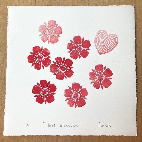 Love blossoms /3