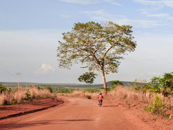 Zufahrtsstrasse zum Dorf