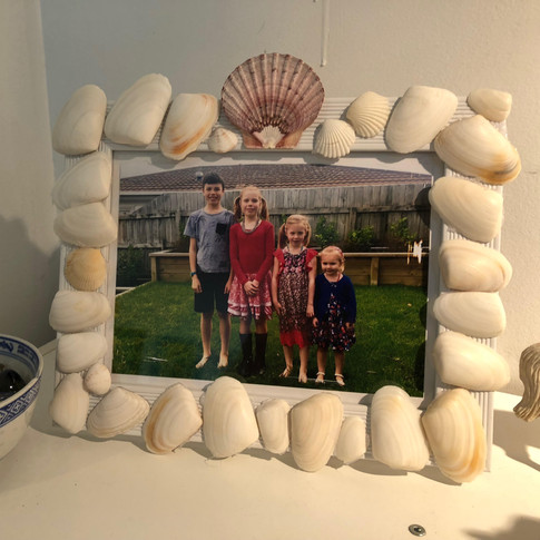 Holly's beautiful seashell picture frame! Inspired by Magnificent Crafters