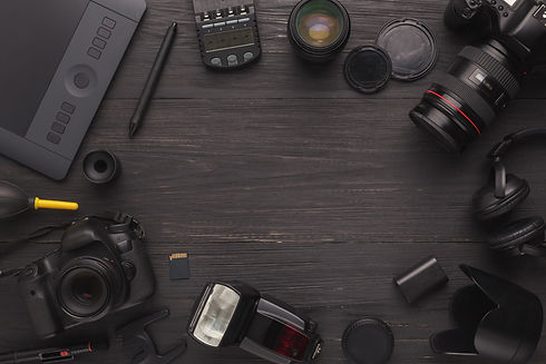 diverse-personal-equipment-for-photograp