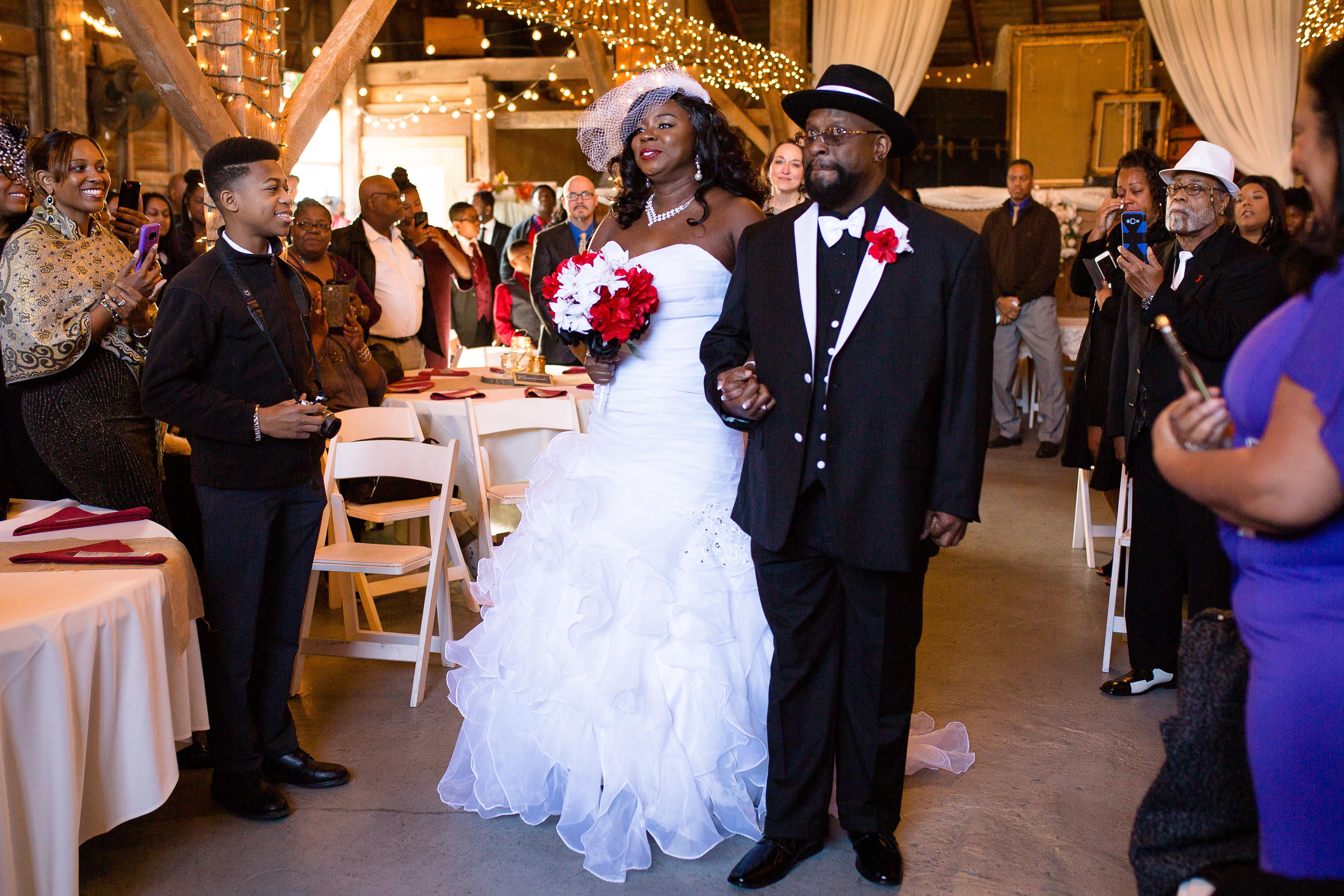tj-avon-wedding-barn-0145
