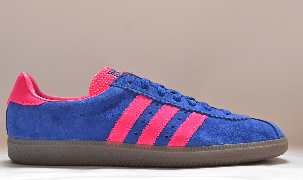 https://www.dassleresales.co.uk/product-page/adidas-padiham-blue-pink