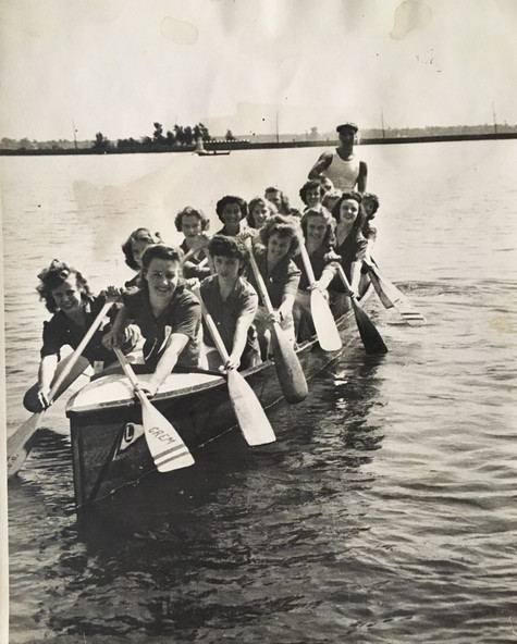 Équipe féminine   Archives Musée de Lachine [R6-B]