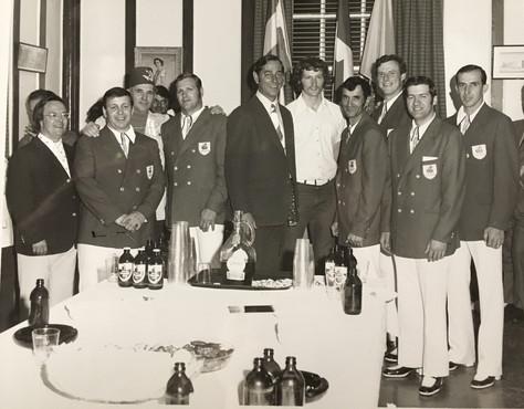 Club O'keefe Remise de boutons  Archives Musée de Lachine [P21-A]