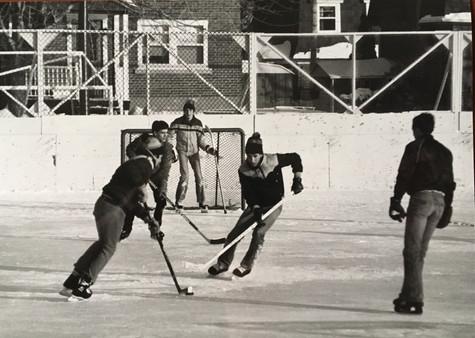 Hockey extérieur au Festival des neiges 1986 Archives Musée de Lachine [P23-A]