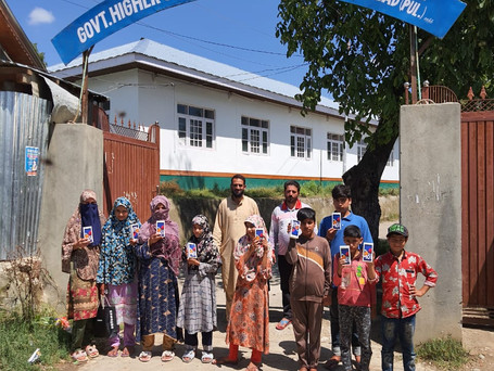 Pal Care Foundation donated smartphones in Kashmir