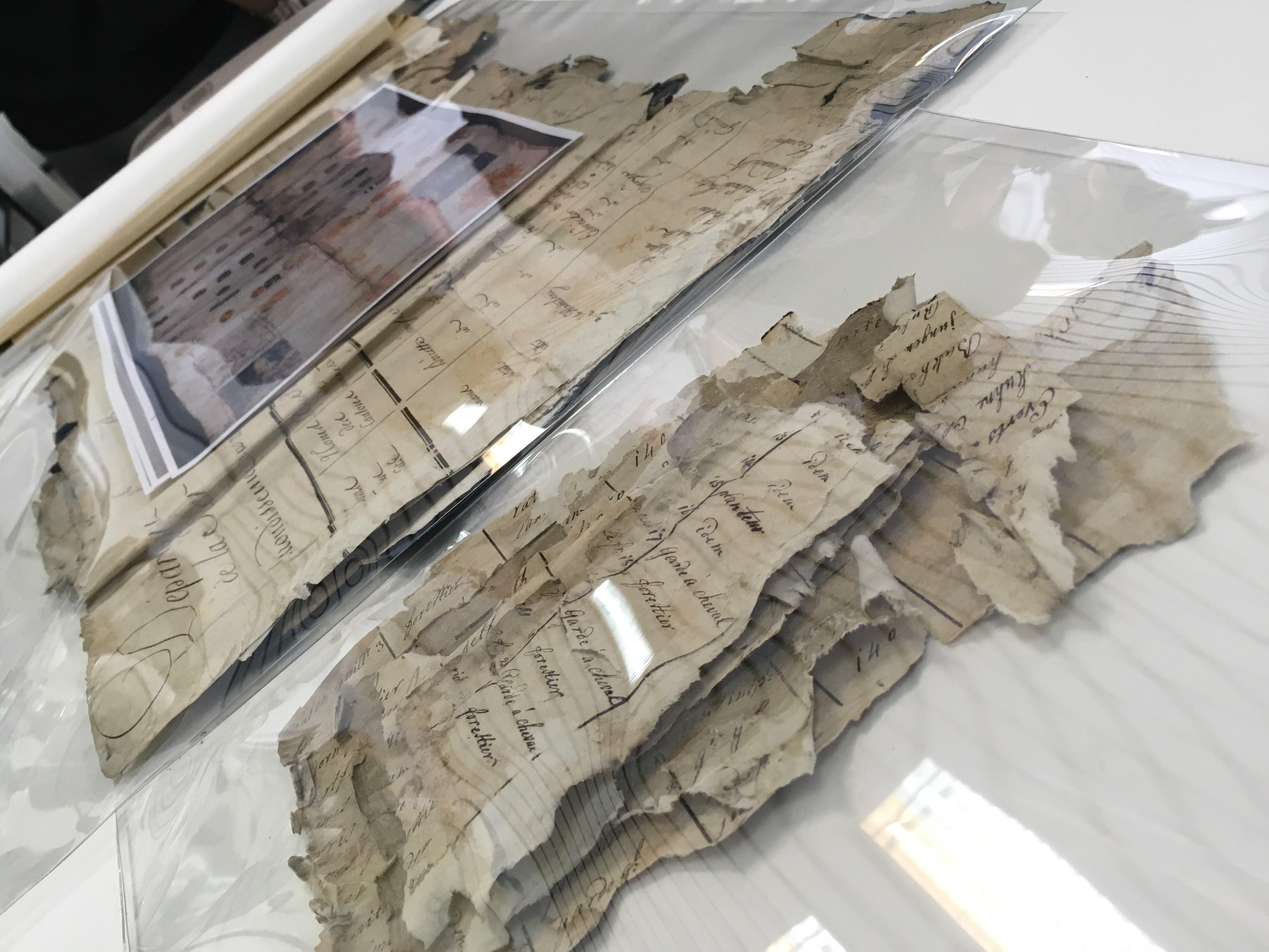 Photographie travail archivistique