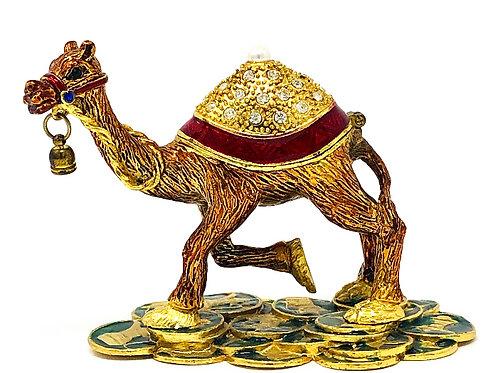 TROPHY CAMEL
