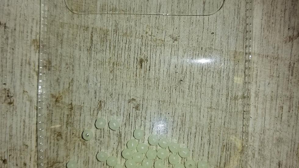 3mm round beads lumi (approx x125 per pack)
