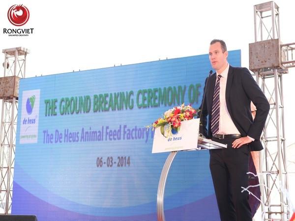 ông Gabor Fluit – Tổng Giám đốc Công ty TNHH De Heus Việt Nam phát biểu trong buổi lễ