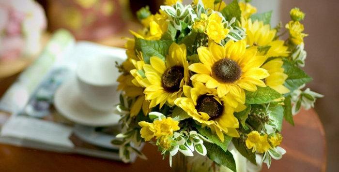 hoa giả trang trí đẹp rẻ
