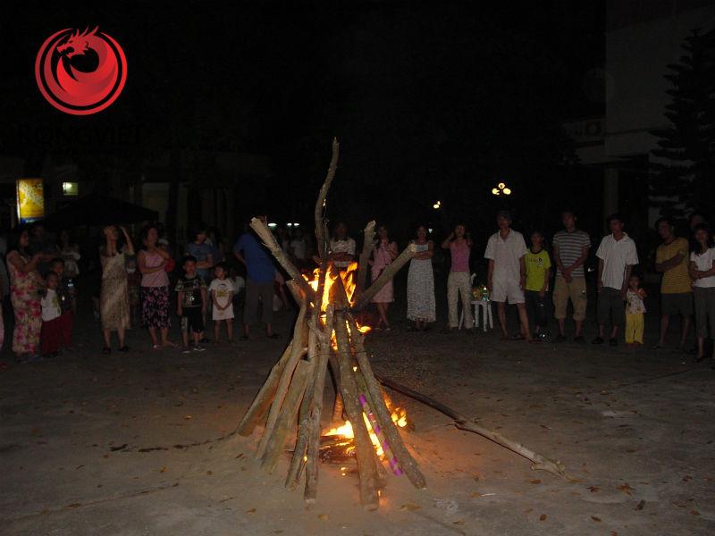 Lửa trại Familyday của Kinh đô 2006 ở Sầm Sơn