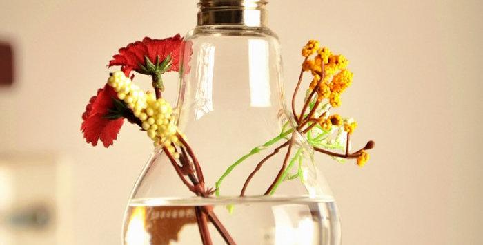 bình hoa bóng đèn trang trí