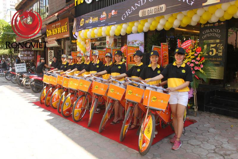 Rồng Việt cung cấp toàn bộ phụ kiện, đồng phục, phương tiện để phục vụ ROADSHOW