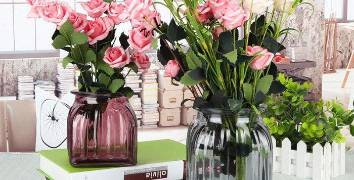 bình hoa thủy tinh cắm hoa