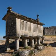 portugal-peneda-lindoso-castle-espinheir