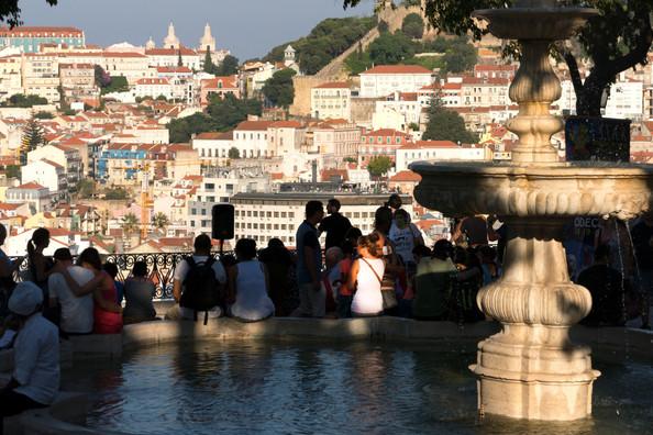 portugal-lisbon-sunset-viewpoint walking hiking tour