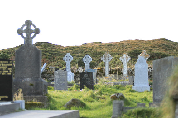 Celtic Cemetary Ireland walking hiking tour