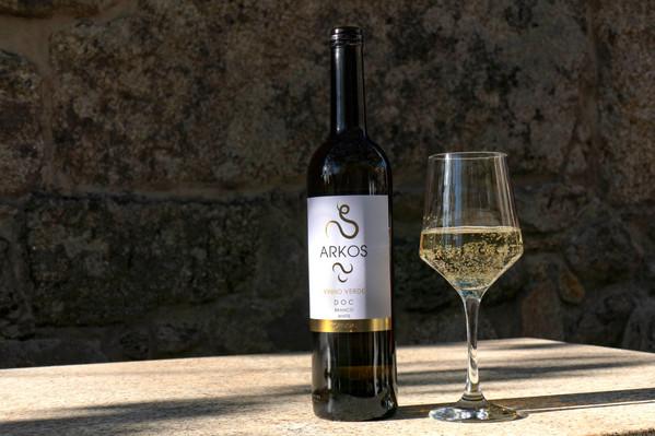 portugal vinho verde winery walking hiking tour