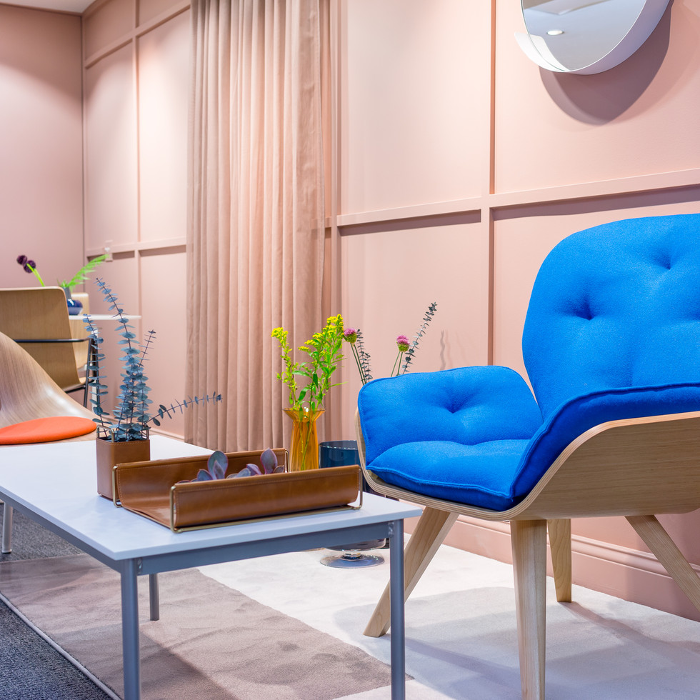 Colorful Lounge Chairs from Source International Seating | Kuchar