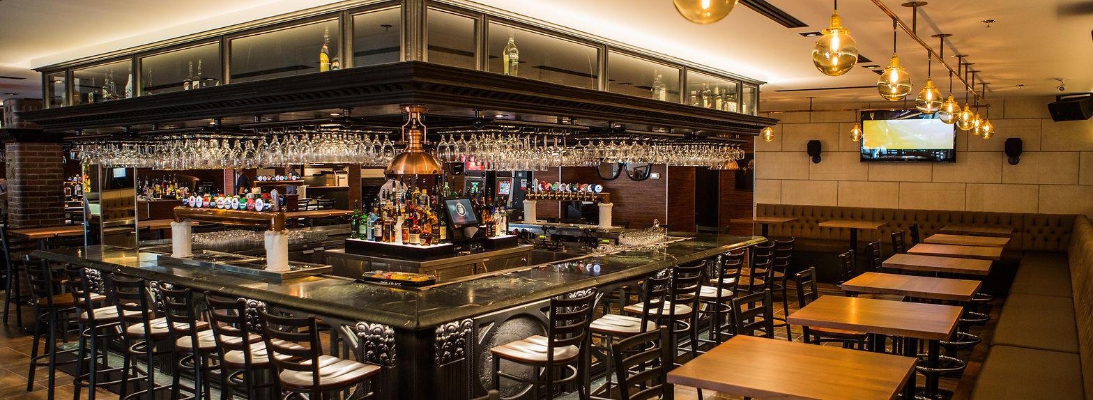 Photo du bar du Thursday's Montreal