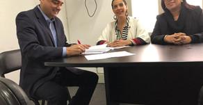 MDLP firma convenio en Perú para la profesionalización de las mujeres.