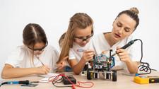 Pregunta: ¿Cómo puede prepararse mi hija para las profesiones del futuro?