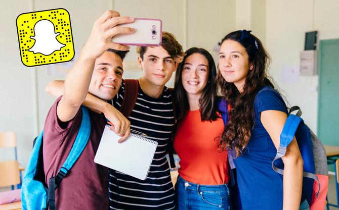 ¿Existe alguna manera en que pueda supervisar lo que mi hijo publica por Snapchat?